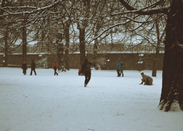 But sometimes something happens to break down that barrier that Londoners put up against everyone else. Snow brings people together. After all, it's hard to ignore someone when they're throwing a snowball at you.