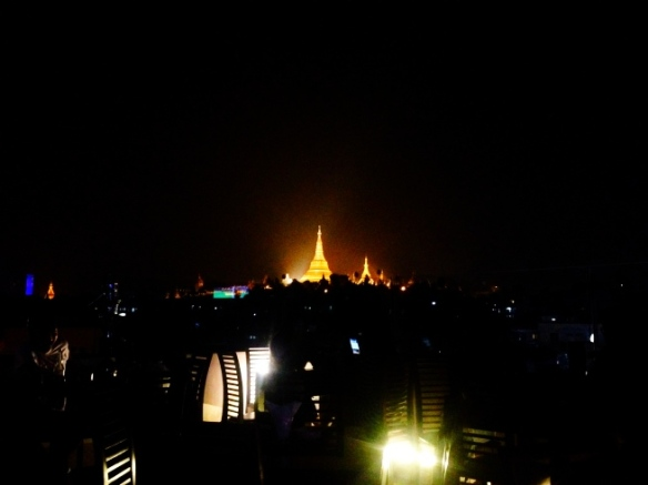 So this is the night time view from Vista Bar. Much better to enjoy the pagoda with a drink in your hand than pay to go in. Right?